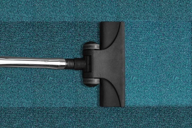carpet-cleaning-vacuum