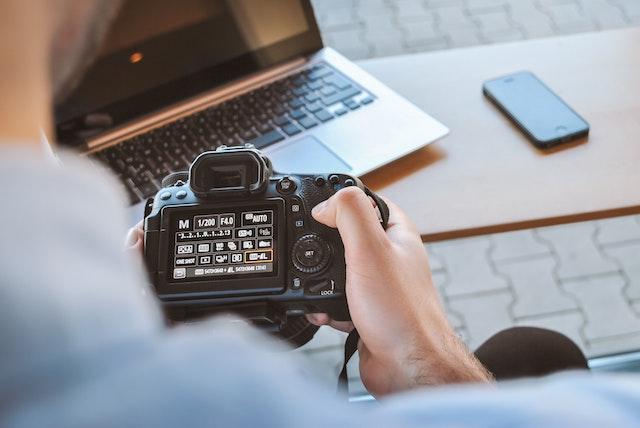 camera-photos-computer-phone-editing